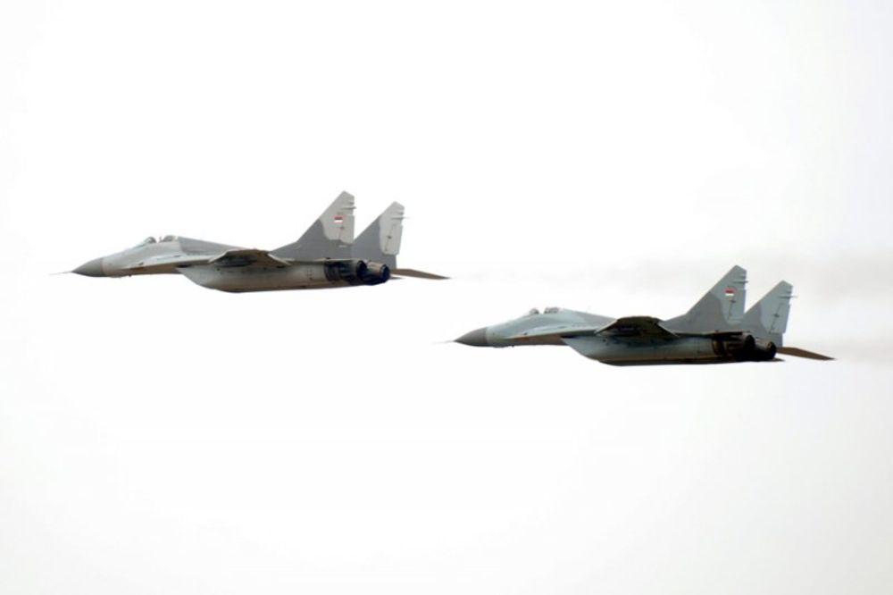 GRAĐANI PAŽNJA: Vojni avioni nad Pančevom i Kučevom, moguće probijanje zvučnog zida