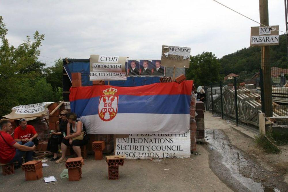 Srbi, prepreke, put Zvečan-Kosvska Mitrovica, preprečili