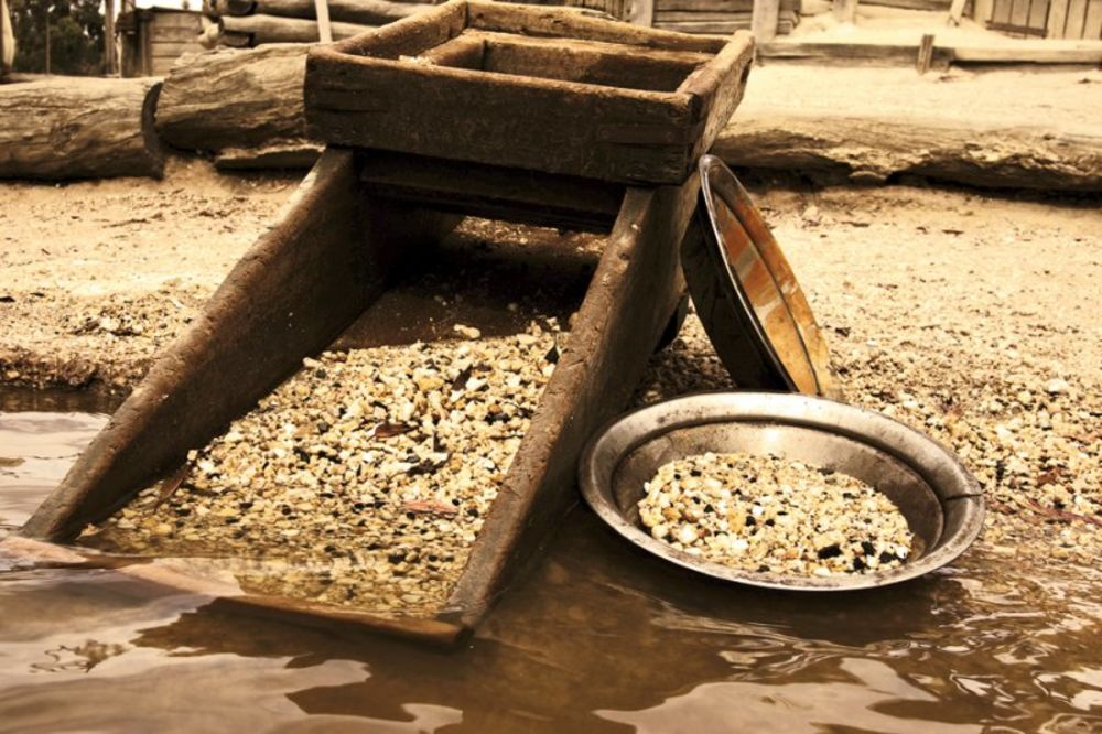ZLATNA GROZNICA DRMA AUSTRIJU: U reci Salcah pronađena zrna zlata!