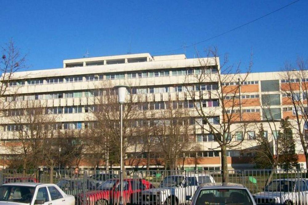 SA SLAVLJA U BOLNICU: Maturanti Medicinske u Čačku pali sa automobila u pokretu