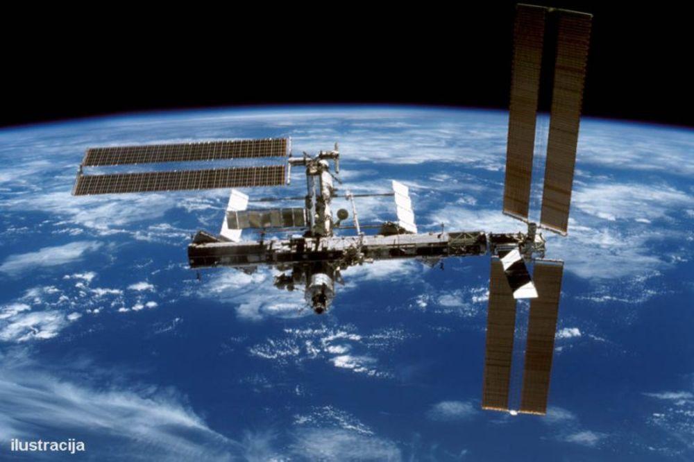 RAT ZVEZDA: Misteriozna ruska letelica viđena u svemiru, zapad u panici da je reč o ubici satelita!