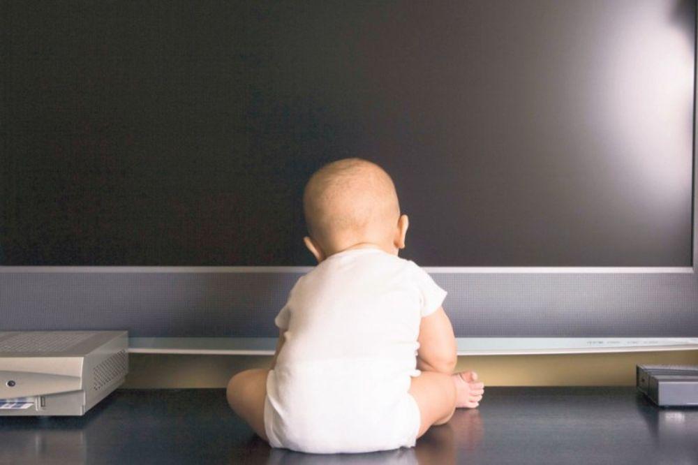 STUDIJA POTVRDILA: Televizija zaglupljuje decu!