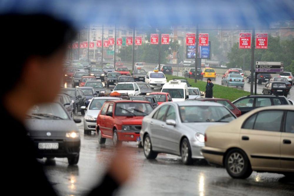 87 saobraćajnih udesa, poginule dve osobe