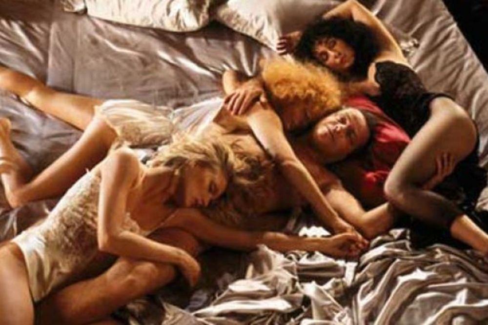 STRNDŽANJE U PEĆINI: Ovde se ne zna ko koga, a sve po starom seks običaju!