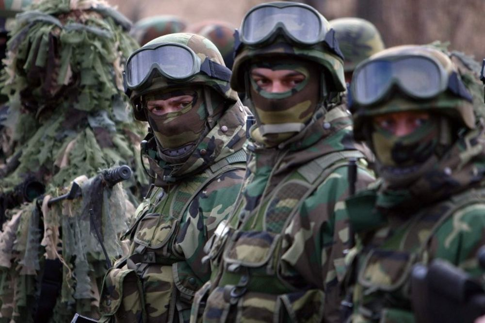 VRATILI ZNAČKE I NAORUŽANJE: Žandarmi udaljeni s posla uz smanjenje plate!