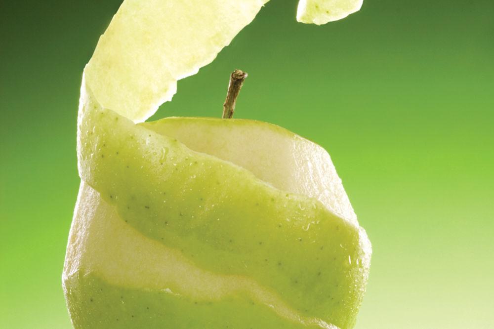 Evo šta se kora jabuke može