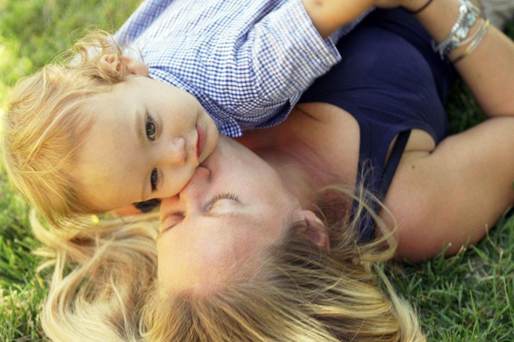 Oproštajno pismo bivšoj ženi Majka-uhapsena-finiks-deca-1328585176-36919