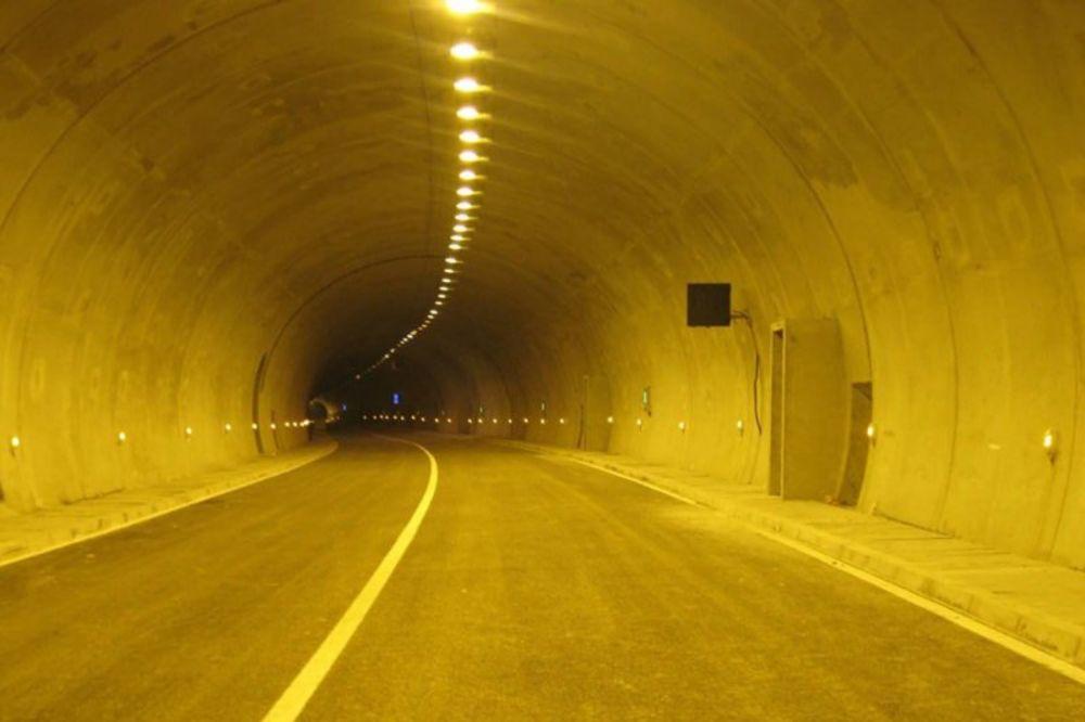 UDARNIČKI KOD BRĐANA: Probijen i drugi tunel na autoputu za Južni Jadran