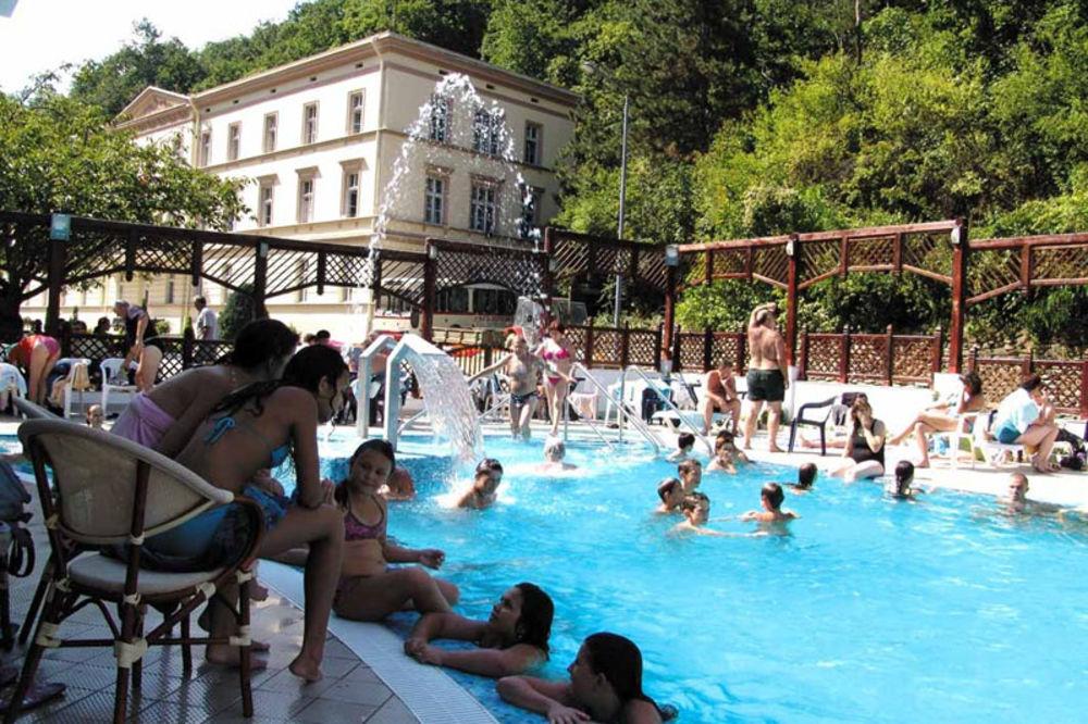 kupanje, Noćno kupanje, RIBARSKA BANJA, bazen