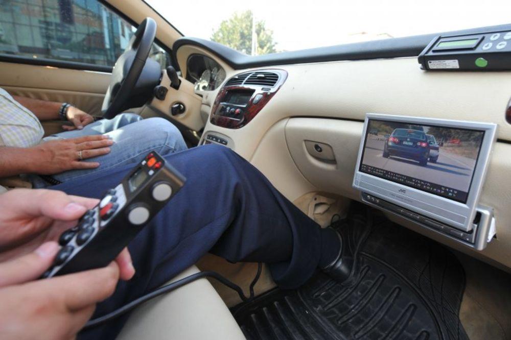 200 NA SAT: Braća za jurnjavu lamborginijem na auto-putu platili 120.000 dinara