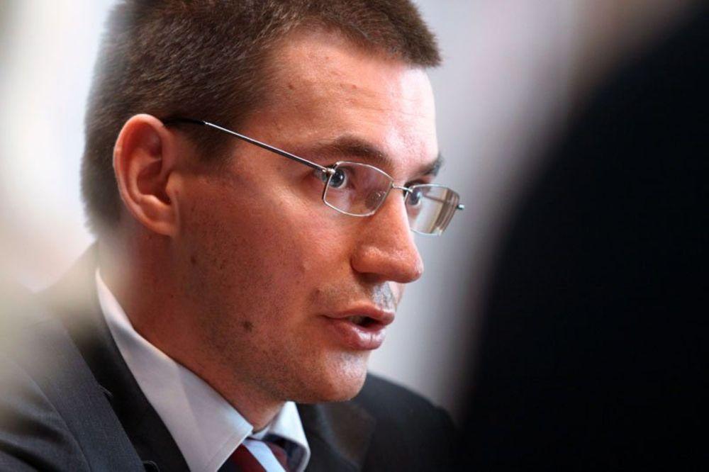 Kiril Kravčenko, NIS, akcije