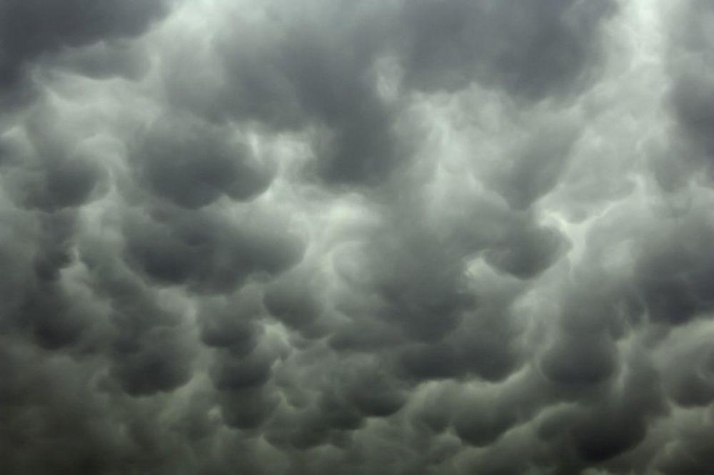 kruševac, tmurno, kiša, oblaci, olujni, vetar, nevreme