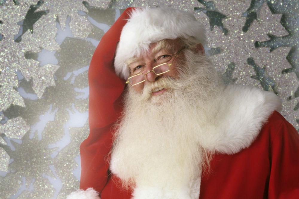 Deda Mraz više neće imati bradu i brkove, poklone će donositi i Deda Mrazice!