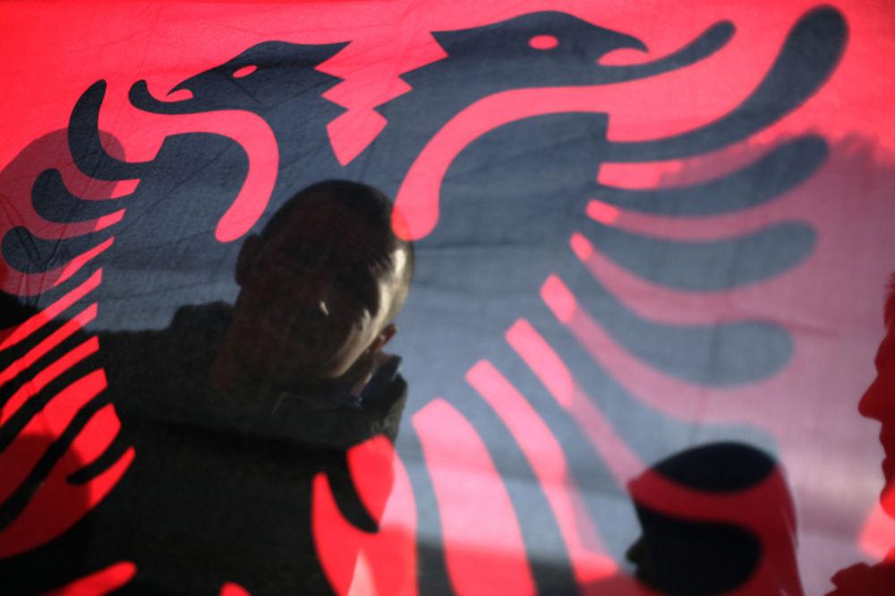 SKANDALOZNO: Priština registruje balističku stranku!