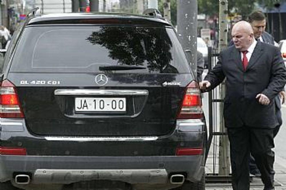 - Novi automobili proizvedeni u EU trebalo bi od 1. januara 2009. u