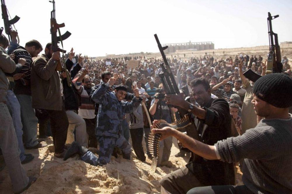 DO POSLEDNJE KAPI: U Libiji moguć građanski rat oko naftnih polja