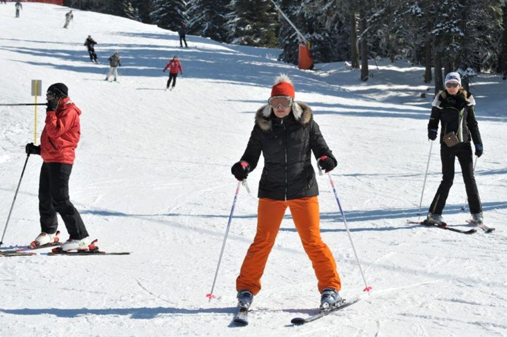 Biće skijanja, na Kopaoniku pada sneg