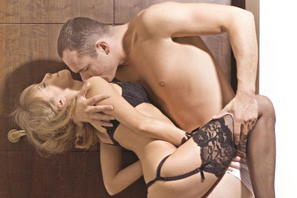 Ovan voli jutarnji seks, Devica vezivanje i lisice: Koje su vaše tajne želje?