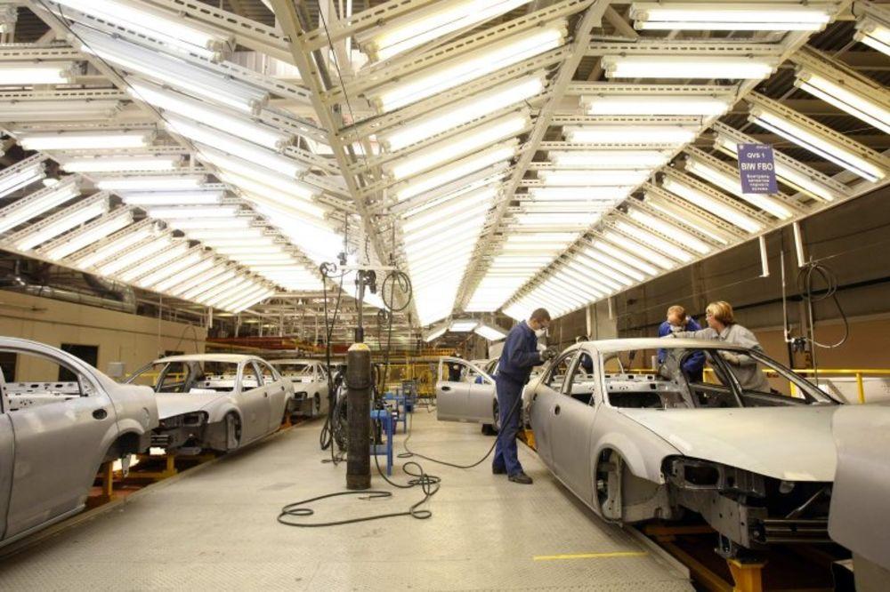 RUSIJA PORUČILA: Obustavićemo uvoz motornih vozila iz SAD I EU!