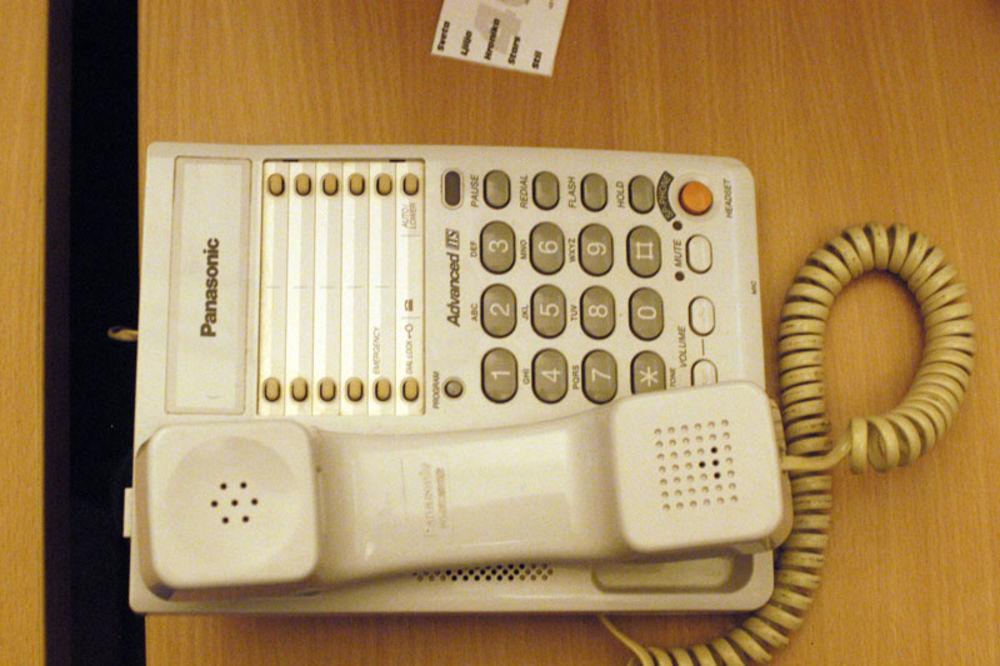 KO TO DAHĆE KOD LESKOVCA: Osnovnoj školi veliki telefonski računi, zovu hotlajn!