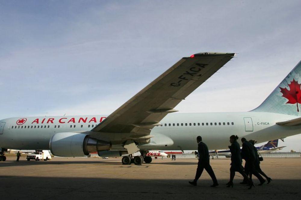 PORNO ERLAJNZ: Er Kanada upozorava pilote da ne gledaju erotiku u kokpitu!