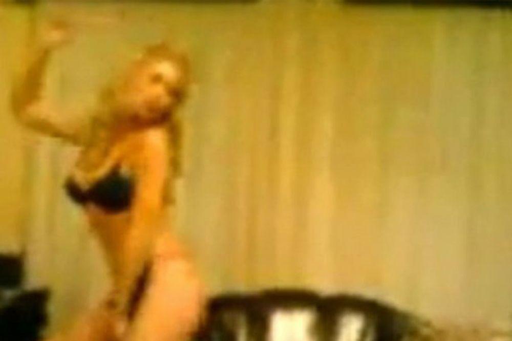 striptiz, olja crnograc