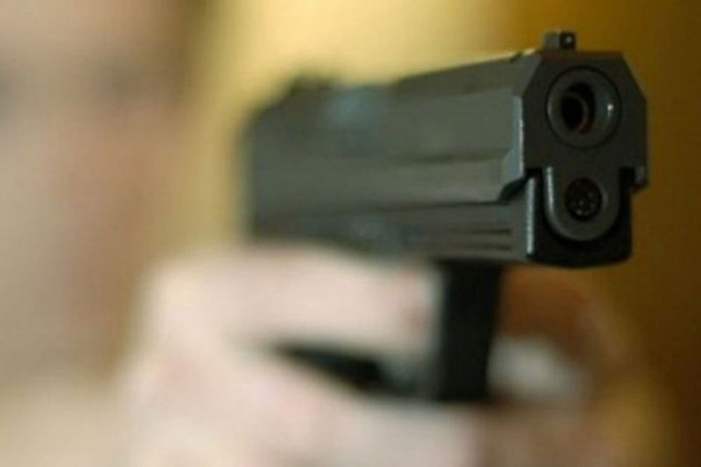 pljačka, banka, pištolj, novac,