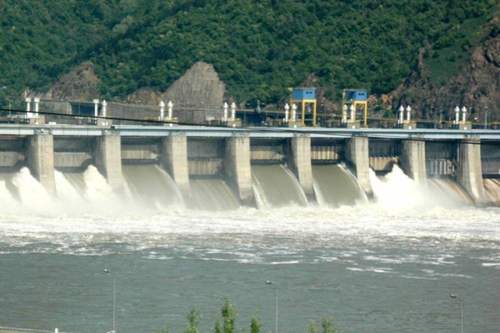 VODA PRODRLA U POMOĆNI DEO: Ugrožena Hidroelektrana Đerdap 2!