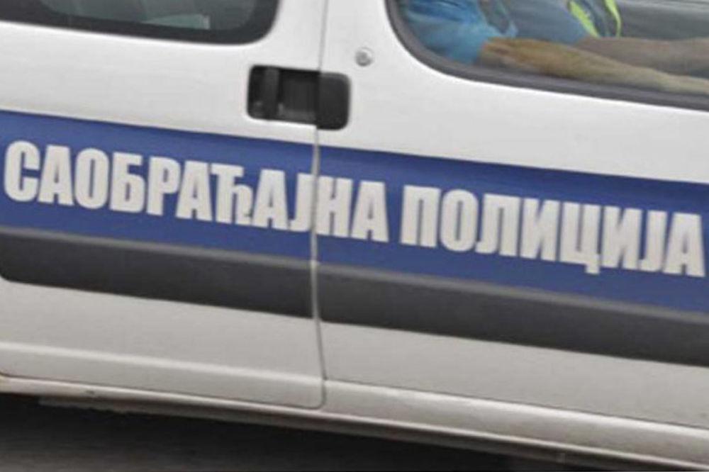 SAOBRAĆAJKA KOD IVANJICE: Automobil podleteo pod kamion, poginuo mladić!