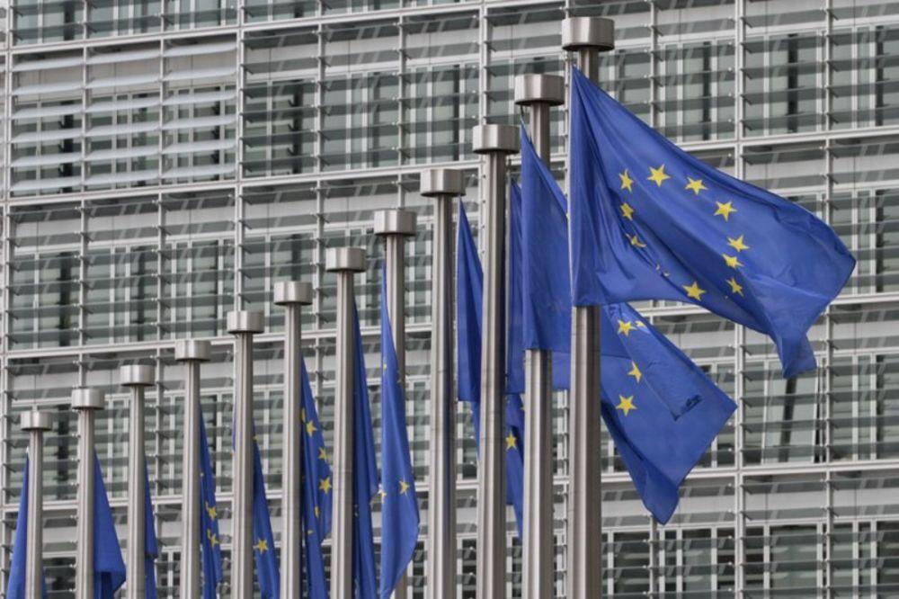 TRAKTORIJADA U BRISELU: Belgijski traktoristi blokirali sedište EU
