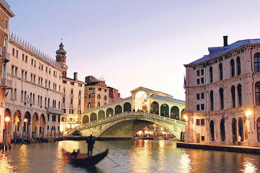 PAŽNJA TURISTI: Bićete kažnjeni ako odete u Veneciju s koferom na točkiće!