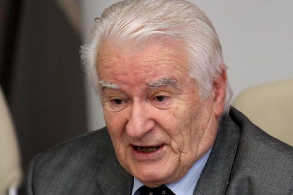 POSLANIK DS PRIMLJEN U BOLNICU: Dragoljub Mićunović bori se za život!