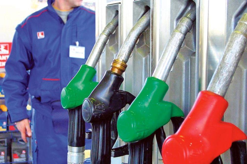 Padaju cene goriva