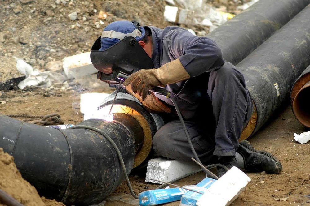 RADOVI NA TOPLOVODU: Potrošači u vojvode Stepe do srede bez vode!