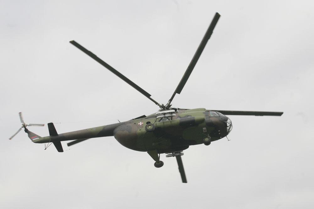 VEŽBA ZA PARADU: Avioni i helikopteri nad Beogradom