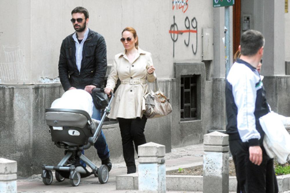Jelena Tomašević, Ivan Bosiljčić, ćerka Nina, šetnja