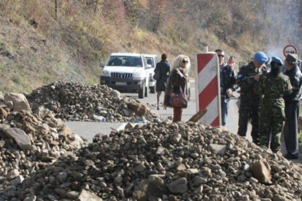 Srbin, povređivanje, Albanac, vozilo, naletanje, barikada, Zupče,