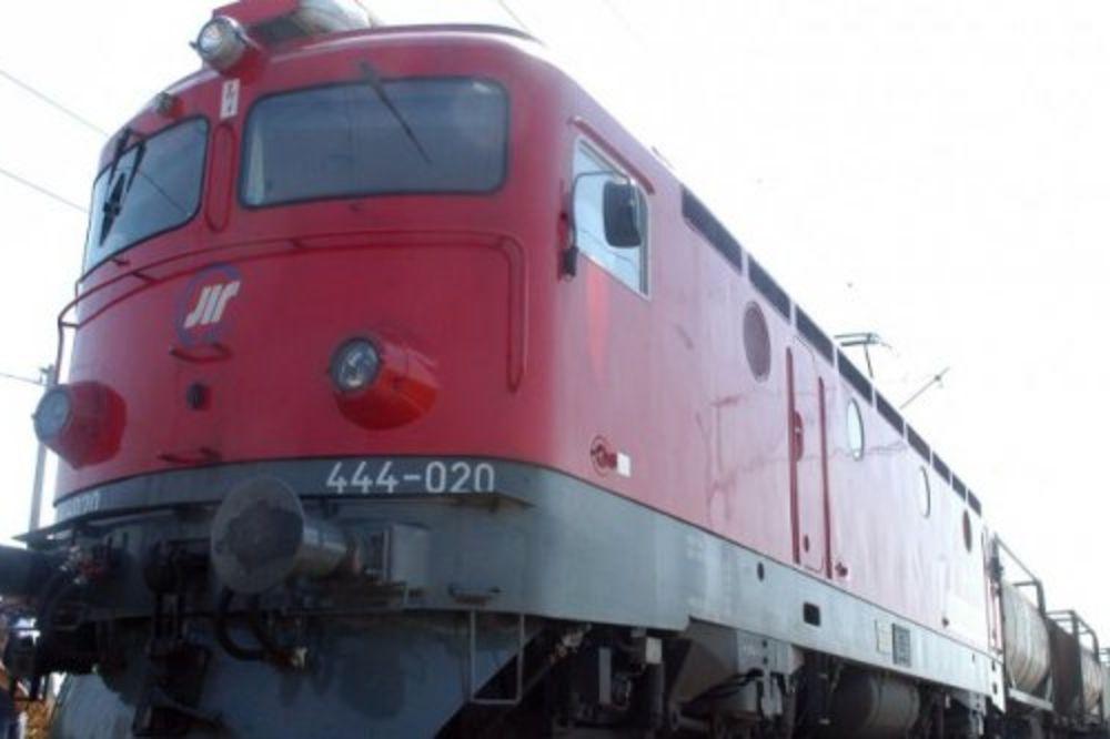 Voz iz Zvečana naleteo na odron, nema povređenih