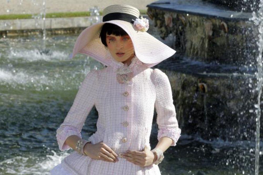 Modna revija Karla Lagerfelda za modnu kuću Šanel