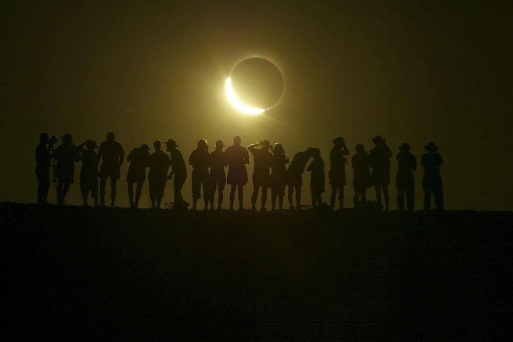 KRAJ SVETA U PETAK: Zapad veruje da je pomračenje Sunca poruka od Boga da se bliži Sudnji dan?!