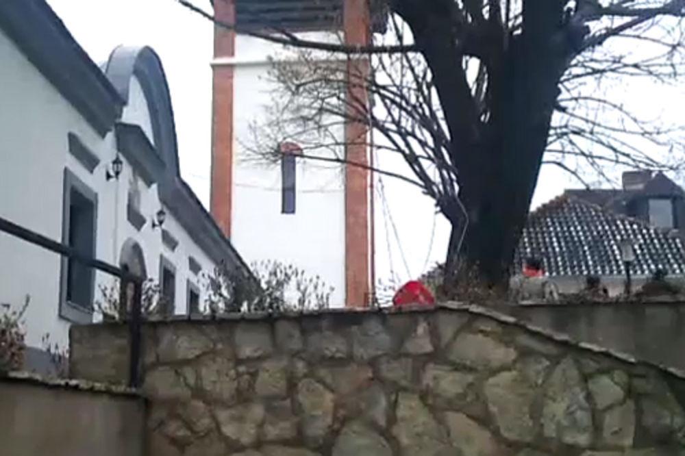 INCIDENT U PRIŠTINI: Prete srpskom svešteniku da ne udara crkvena zvona