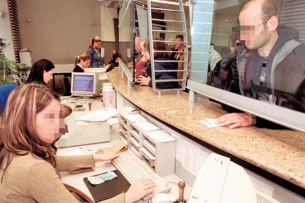 pošta, šalter, tekući računi, kreditne kartice, vraćanje dugova, dug građana
