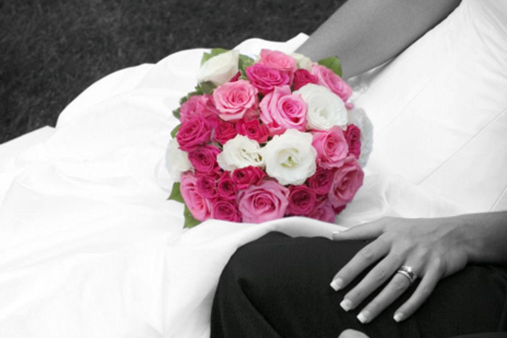 DOSAD SU MOGLI I SA 14: Španci sad mogu u brak sa 16 godina