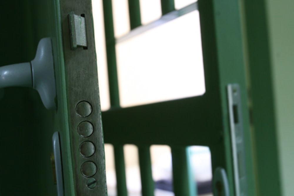 Zabela, zatvor