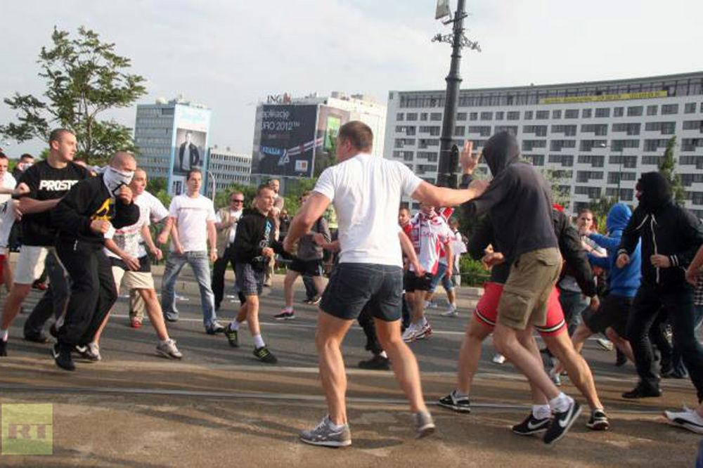 Krv na ulicama Varšave: Napad Pokljaka na Ruse