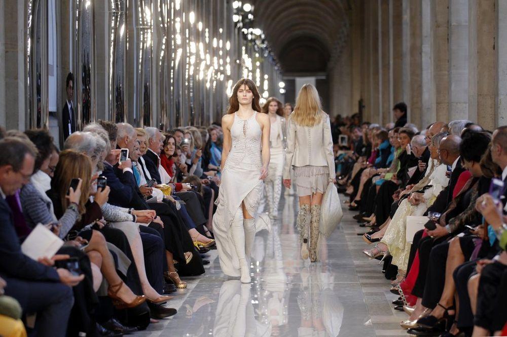 Luvr, Pariz, Salvatore Feragam, modna revija,