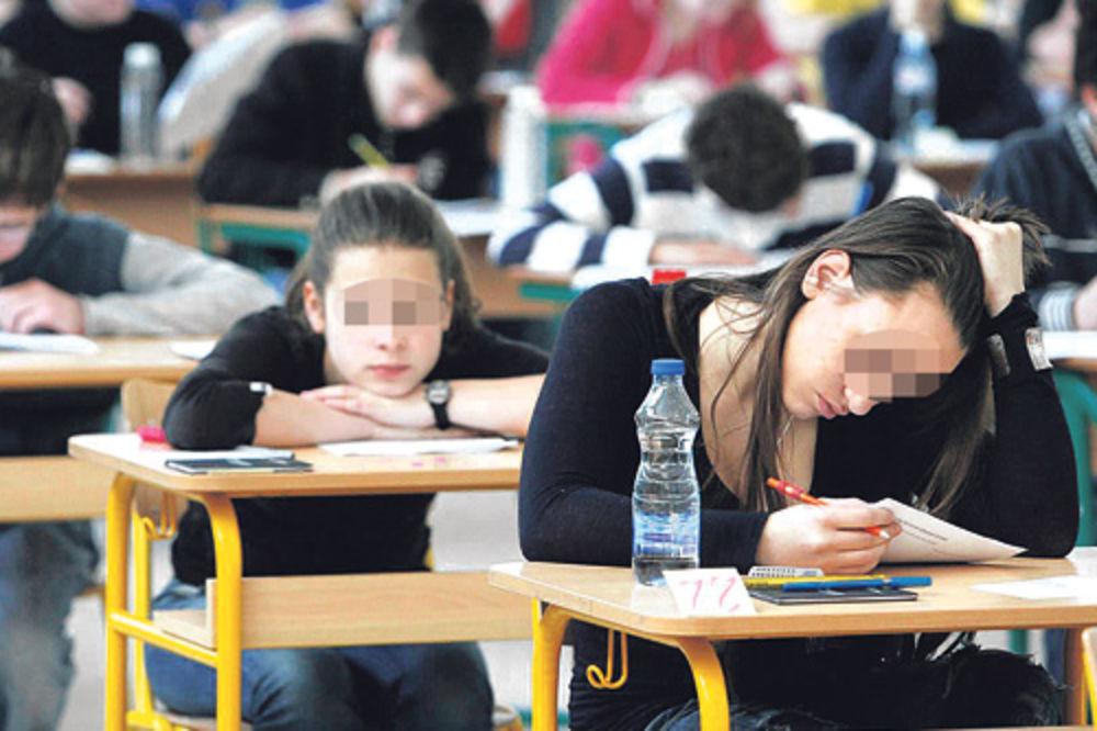 POPRAVNI ZA VARALICE: Maturanti koji su prepisivali na ispitu moraju ponovo da polažu!
