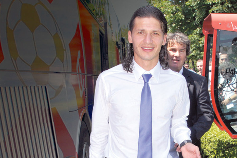 Marko Pantelić, Pantela, upoznavanje, Kolumnista Kurira,
