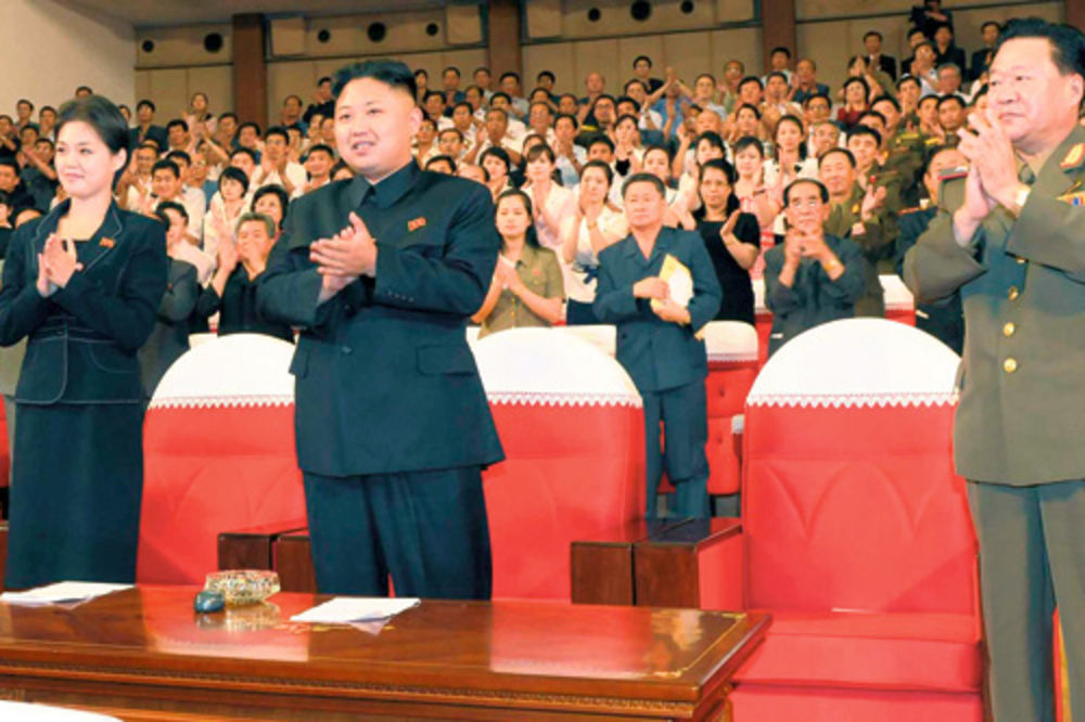Kim Džong Un šeta tuđu ženu