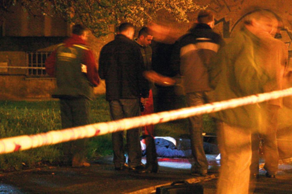 Policija vrši uviđaj na mestu gde je ubijen nesrećni mladić